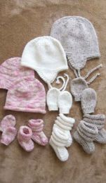 Knitting Pure and Simple - Baby Hats Mitts and Booties