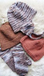 Knitting Pure and Simple - Bulky Hat & Mitten Set