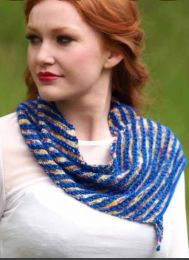 !Linn Wrap - Free with Purchases of 2 Skeins of Nuble (PDF Pattern Emailed at the time of shipment)